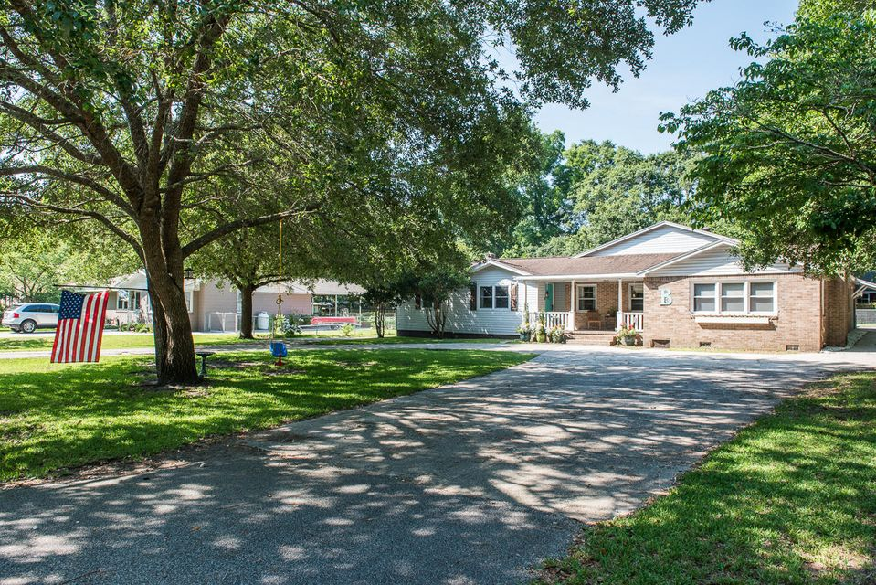 1135  Pleasant Pines Road Mount Pleasant, SC 29464