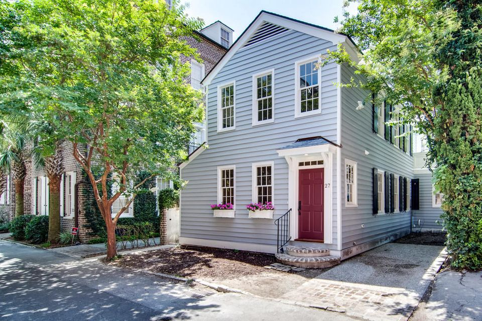 27  Elliott Street Charleston, SC 29401