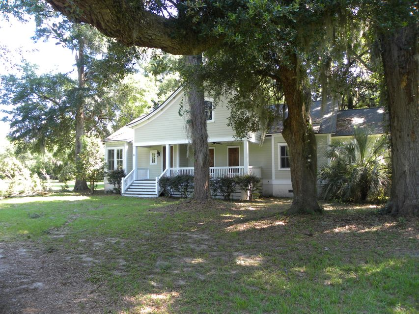 11  Stagecoach Road Seabrook, SC 29940