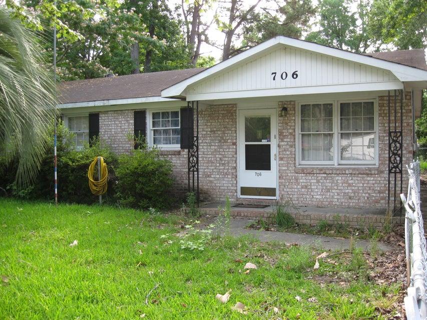706  Hoss Road Charleston, SC 29414