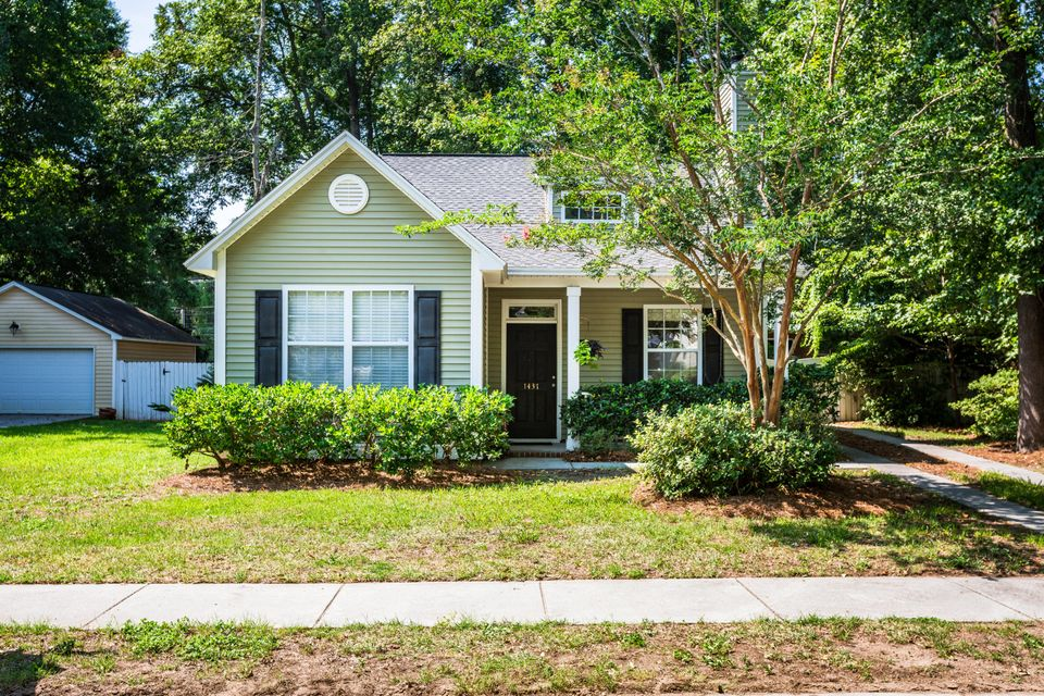 1437  Swamp Fox Lane Charleston, SC 29412
