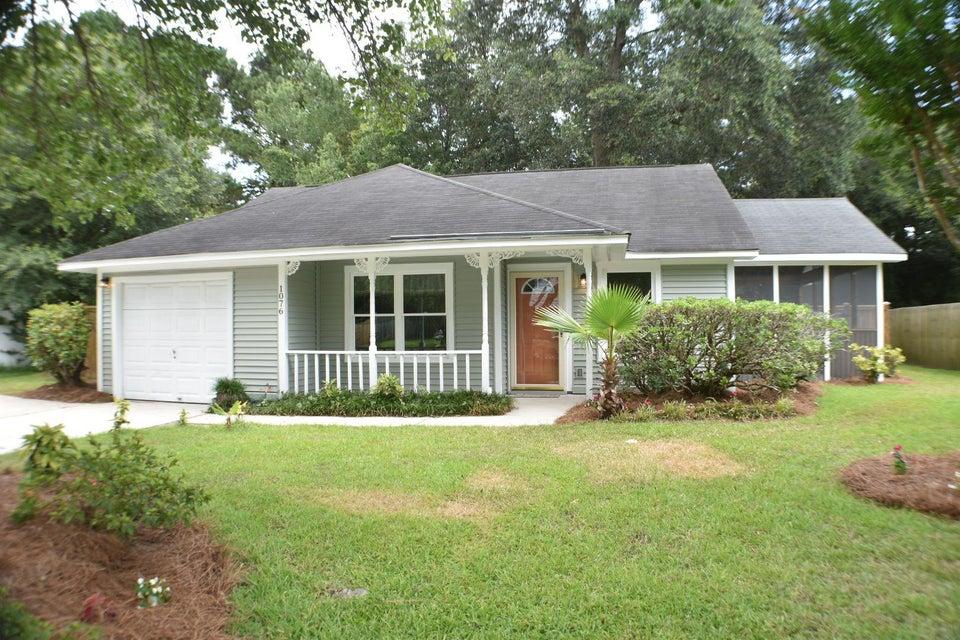 1076  Oakcrest Drive Charleston, SC 29412