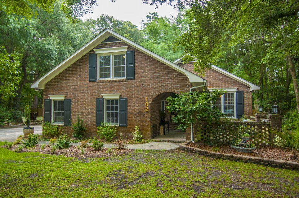 102  Lewisfield Court Summerville, SC 29485