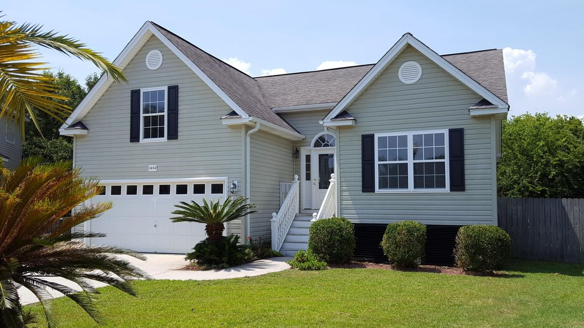 1602  Angelfish Court Charleston, SC 29412