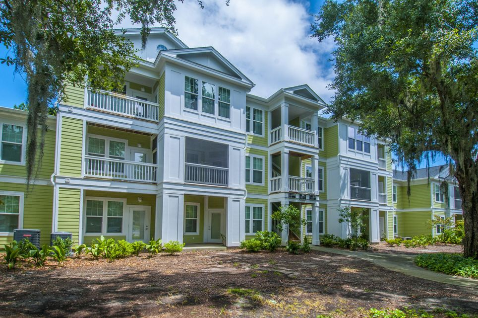1717  Chatelain Way Mount Pleasant, SC 29464