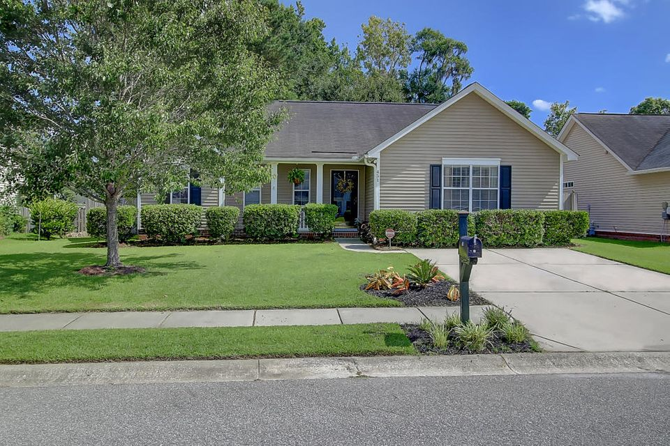 451  Hainsworth Drive Charleston, SC 29414