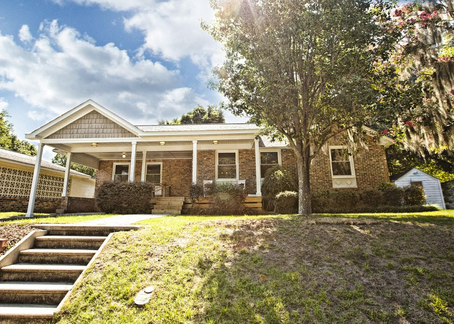 4822  Parkside Drive North Charleston, SC 29405