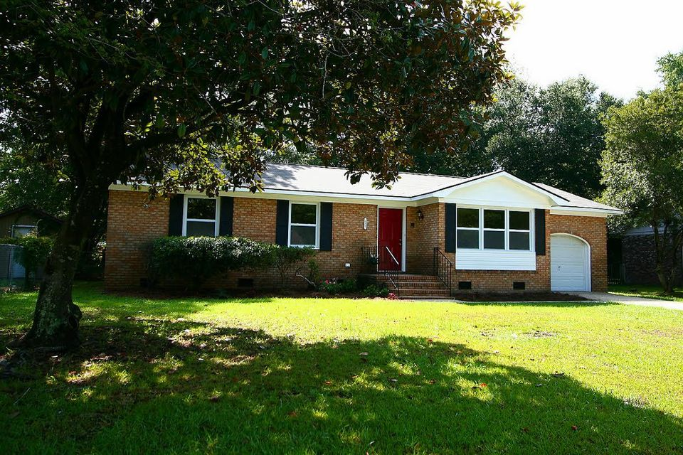 131  Three Wood Lane Summerville, SC 29483