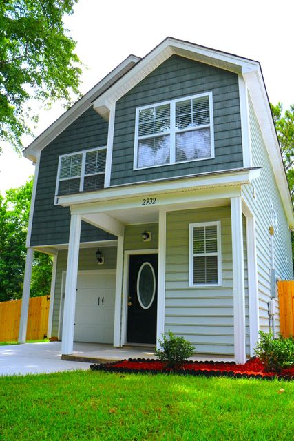 2932  Salamander Creek Lane North Charleston, SC 29406