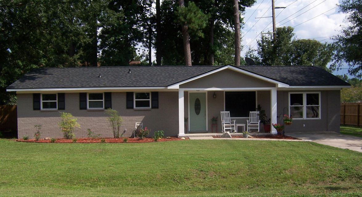 101  English Road Summerville, SC 29483