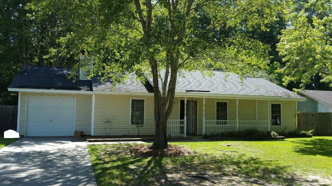 437  Longleaf Drive Summerville, SC 29483