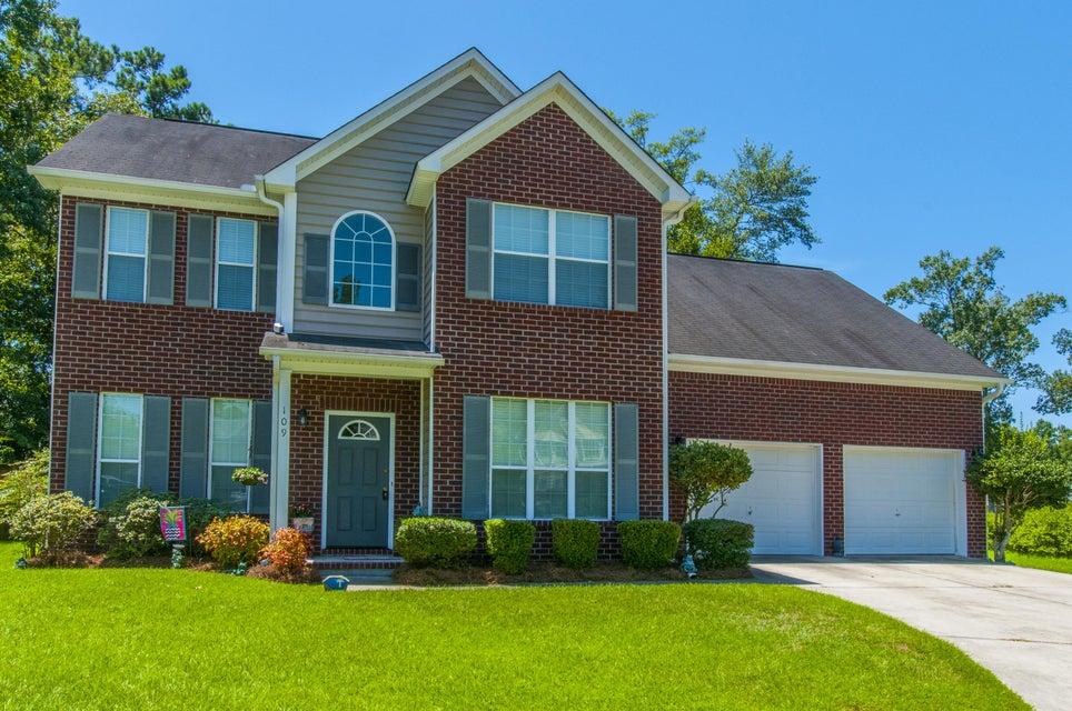 109  Rosedale Court Summerville, SC 29485