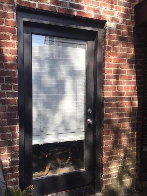 2  Francis Street Charleston, SC 29403