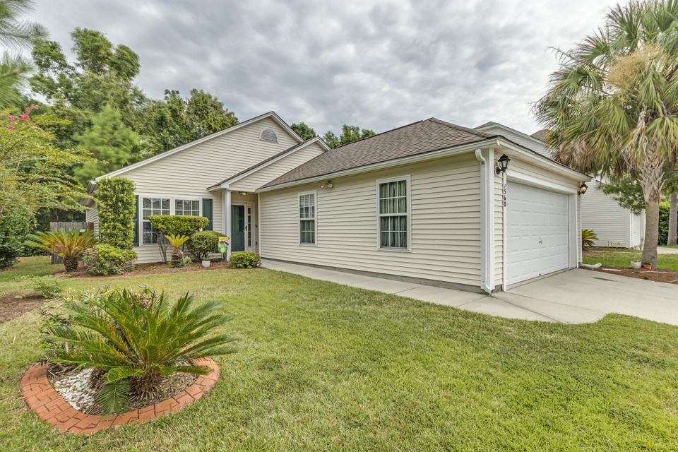 1560  Wellesley Circle Mount Pleasant, SC 29466