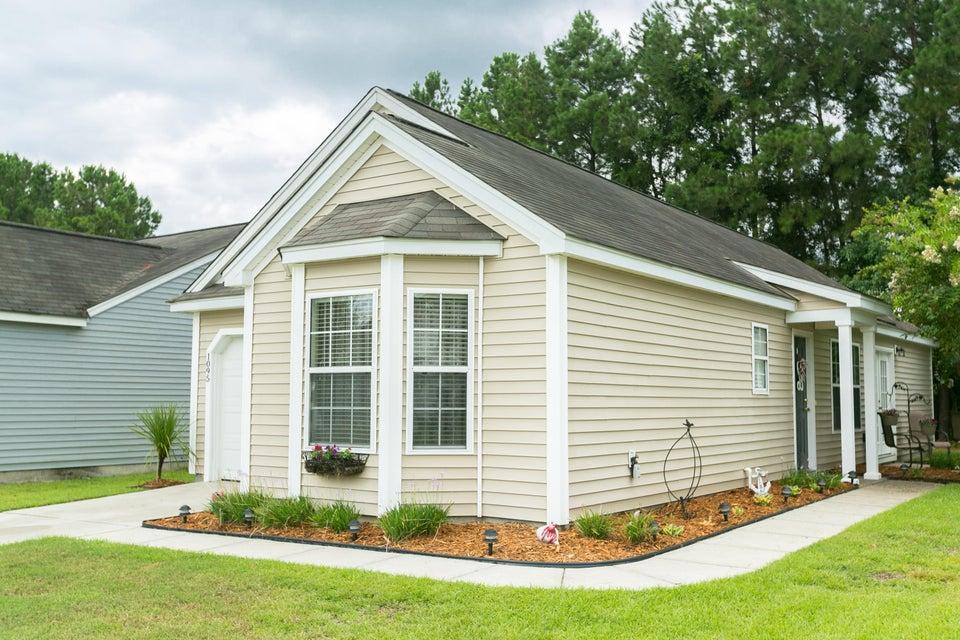 1095  Peninsula Cove Drive Charleston, SC 29492