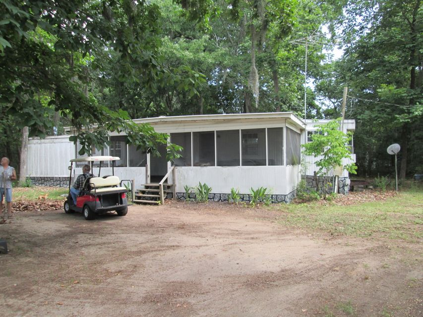 1182  Duboise Drive Summerton, SC 29148