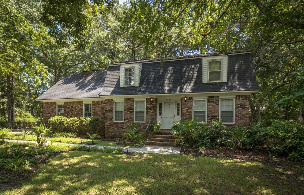 1039  Cotesworth Court Mount Pleasant, SC 29464