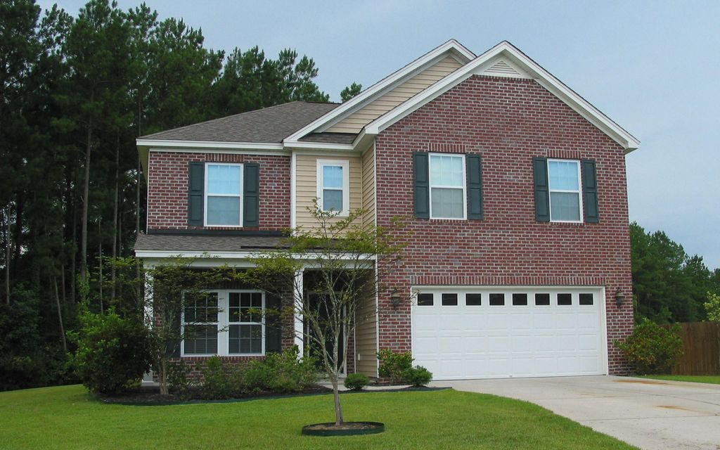 1052  Victoria Pointe Lane Summerville, SC 29485