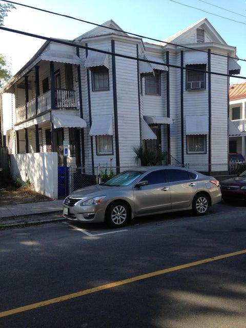 10  Woolfe Street Charleston, SC 29403
