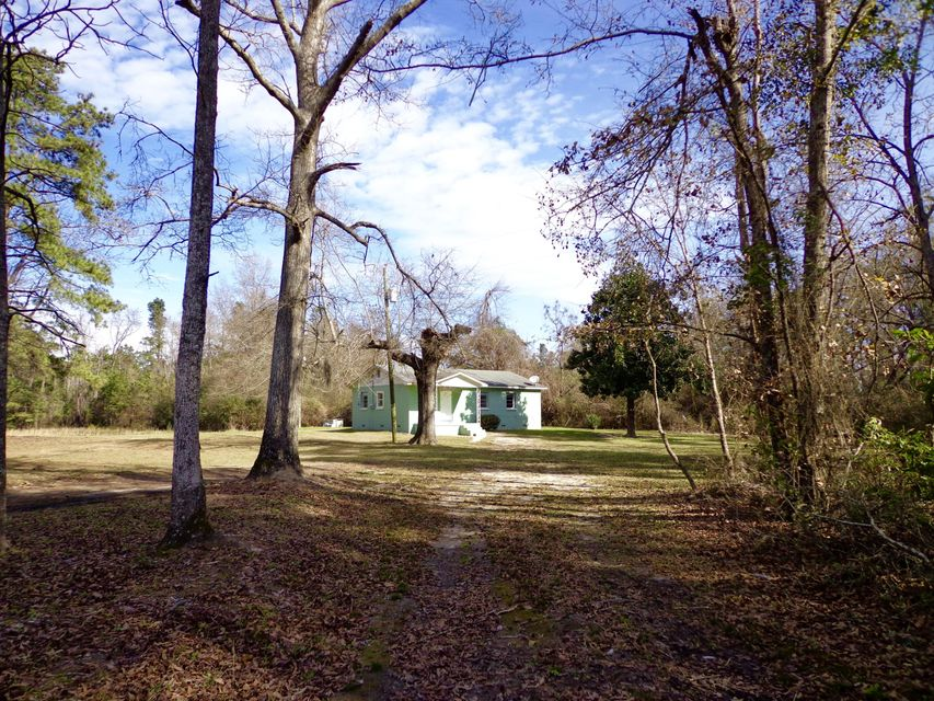 548  Sanders Road Cross, SC 29436