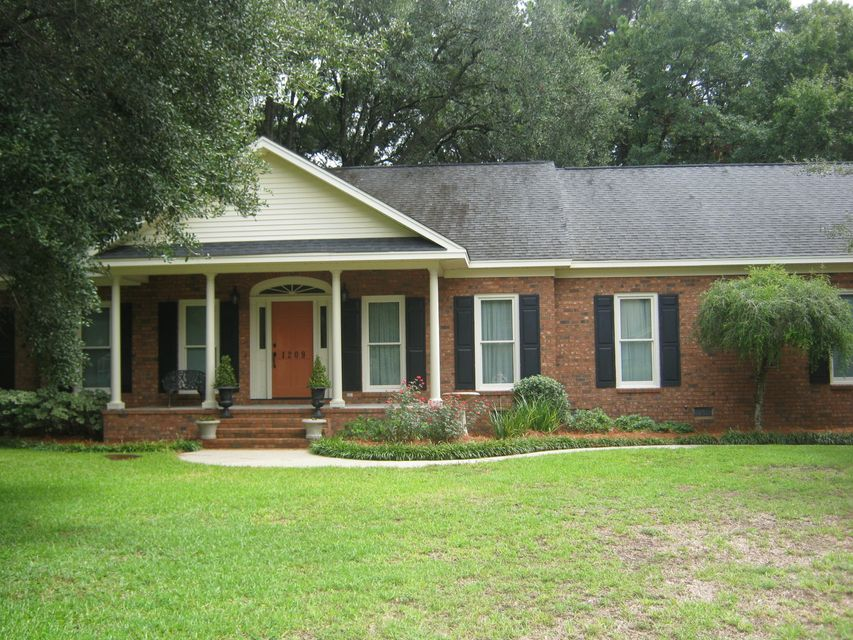 1209  Hidden Lakes Drive Mount Pleasant, SC 29464