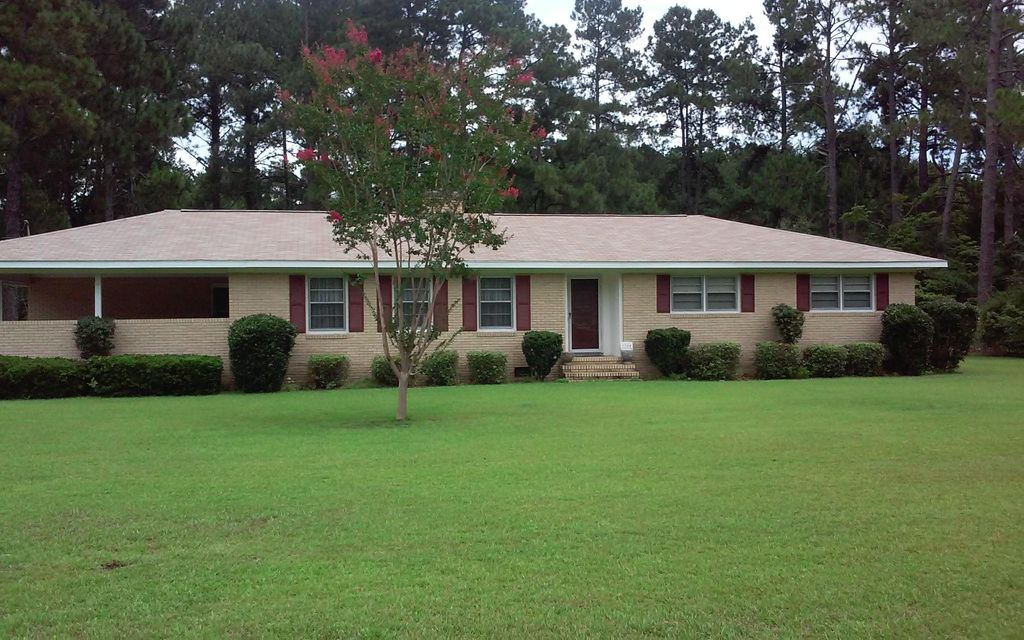 1544  Bennett Circle Holly Hill, SC 29059