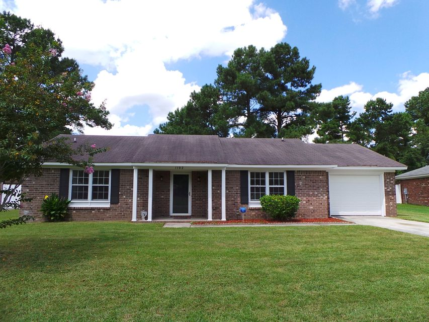 1102  Hampton Court Summerville, SC 29486