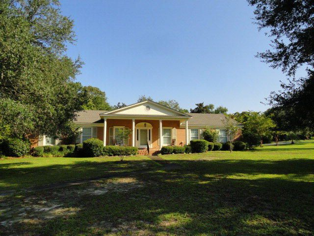 5  Edwards Street Summerton, SC 29148