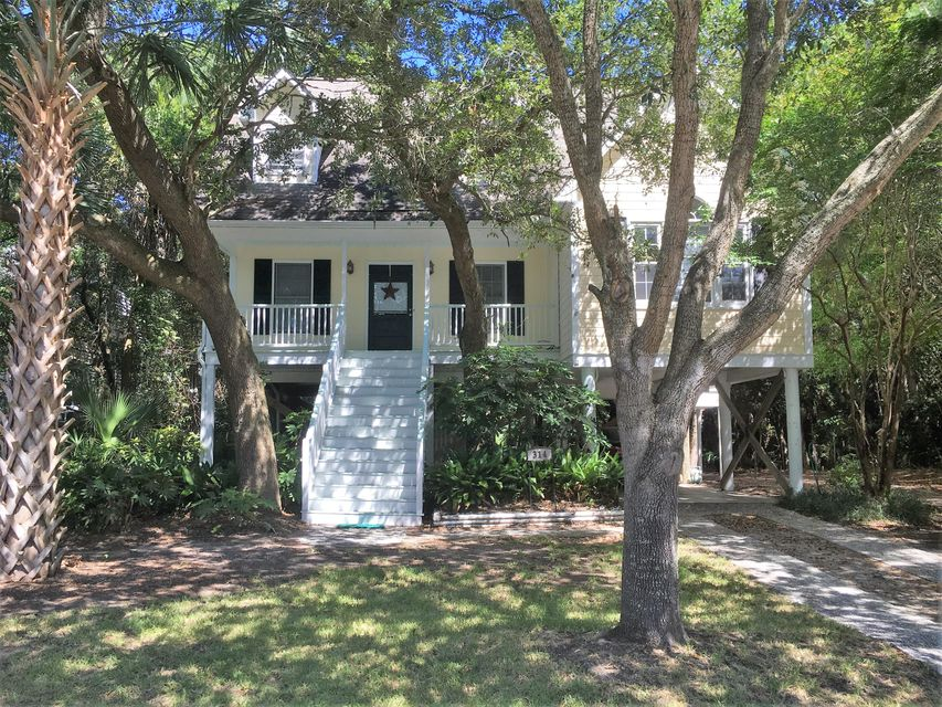 314 W Hudson Avenue Folly Beach, SC 29439