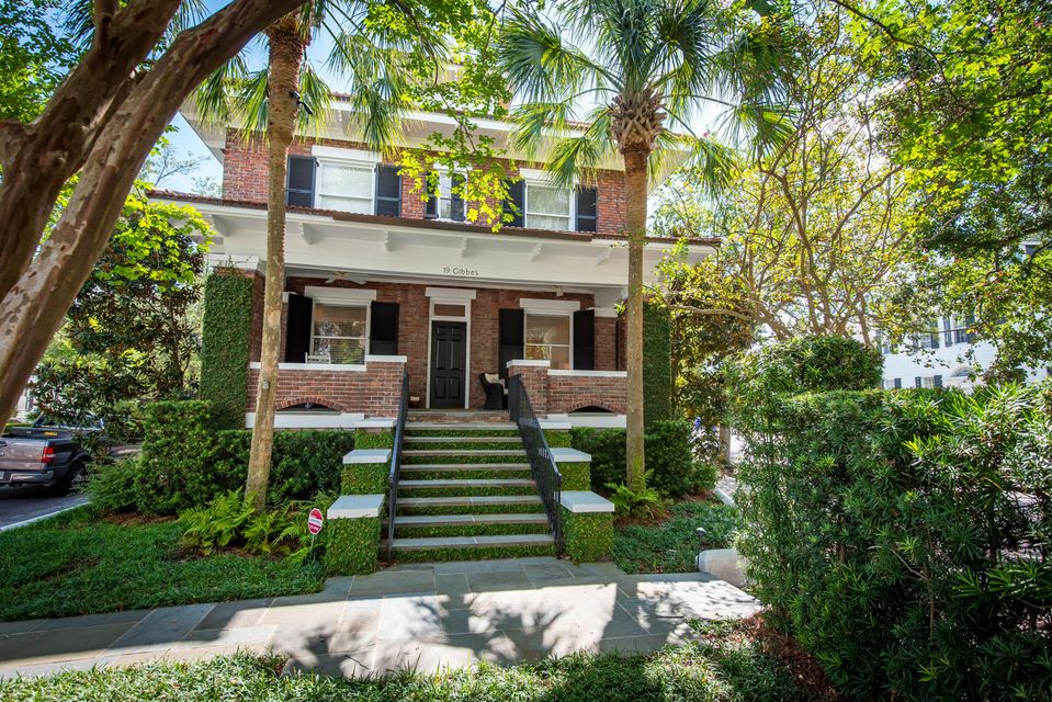 19  Gibbes Street Charleston, SC 29401