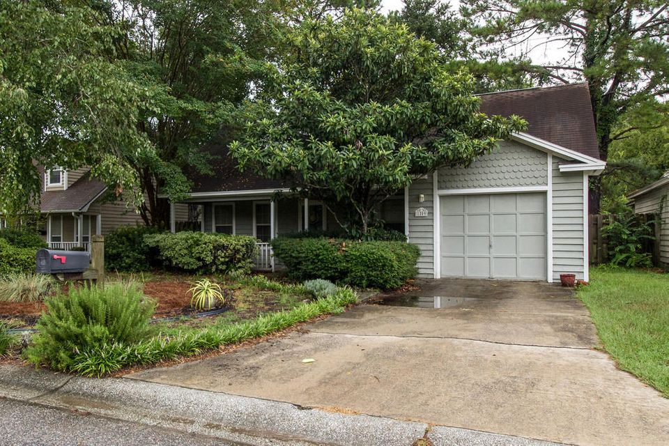 1209  Llewellyn Road Mount Pleasant, SC 29464