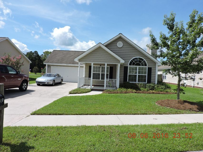 7649  Eagle Lake Road North Charleston, SC 29418