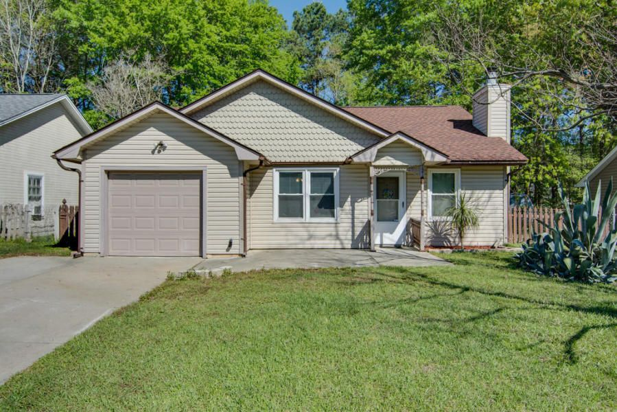 121  Tennyson Way Summerville, SC 29483