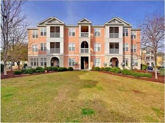 2211  Chatelain Way Mount Pleasant, SC 29464