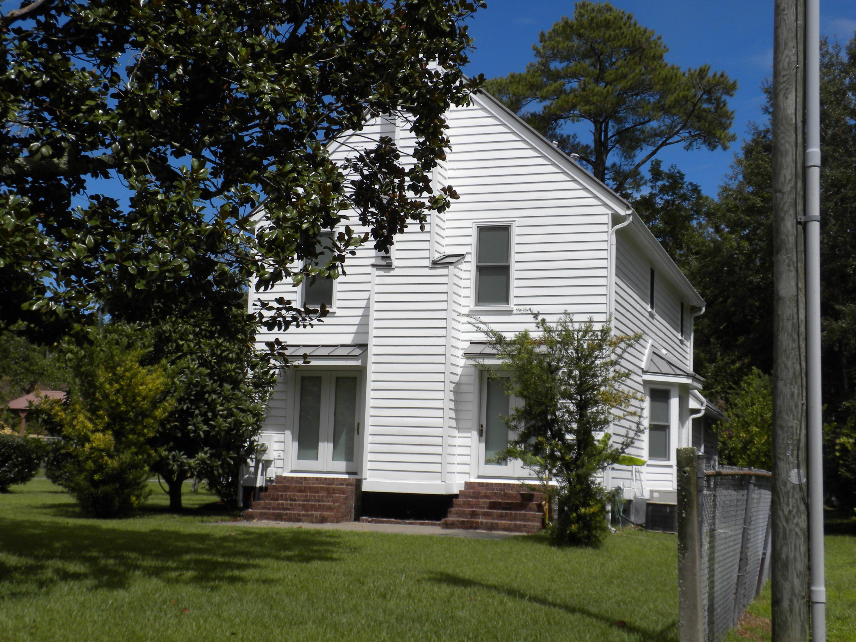 2211  Seroy Street Charleston, SC 29412