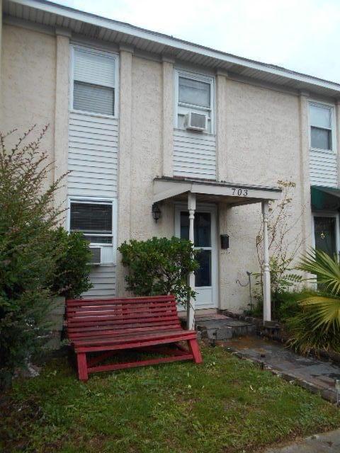 703  Davenport Drive Mount Pleasant, SC 29464