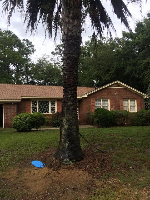 929  Cliffwood Drive Mount Pleasant, SC 29464