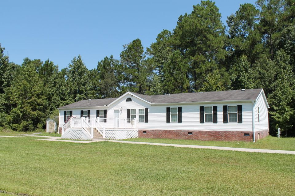 109  Francis Lane Summerville, SC 29483
