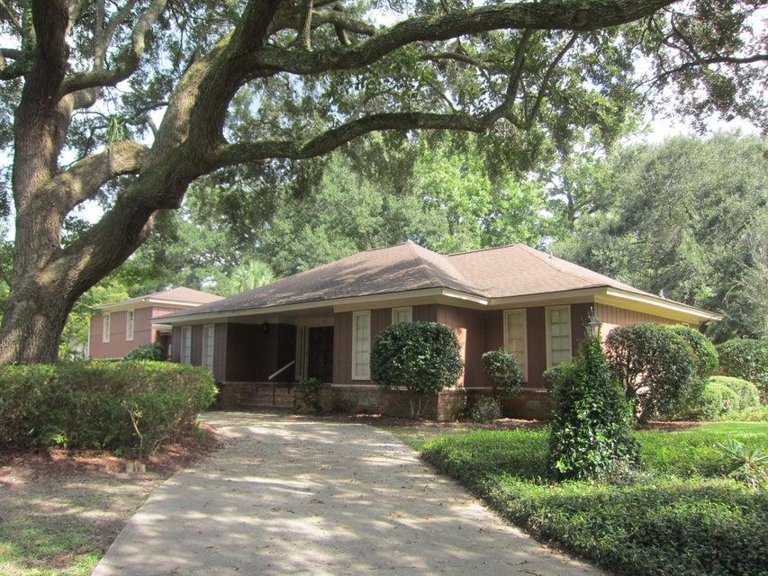1842  Huntington Drive Charleston, SC 29407