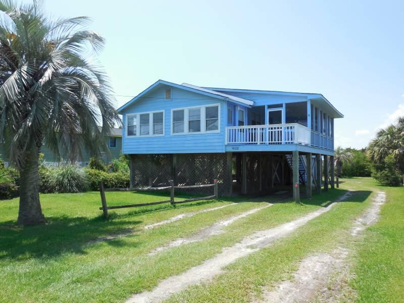 1632 E Ashley Avenue Folly Beach, SC 29439