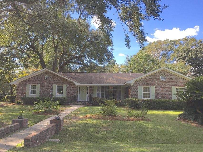 1833  Huntington Drive Charleston, SC 29407