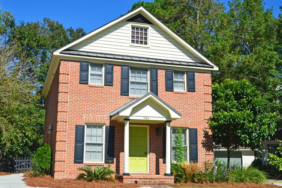 946  Governors Court Mount Pleasant, SC 29464