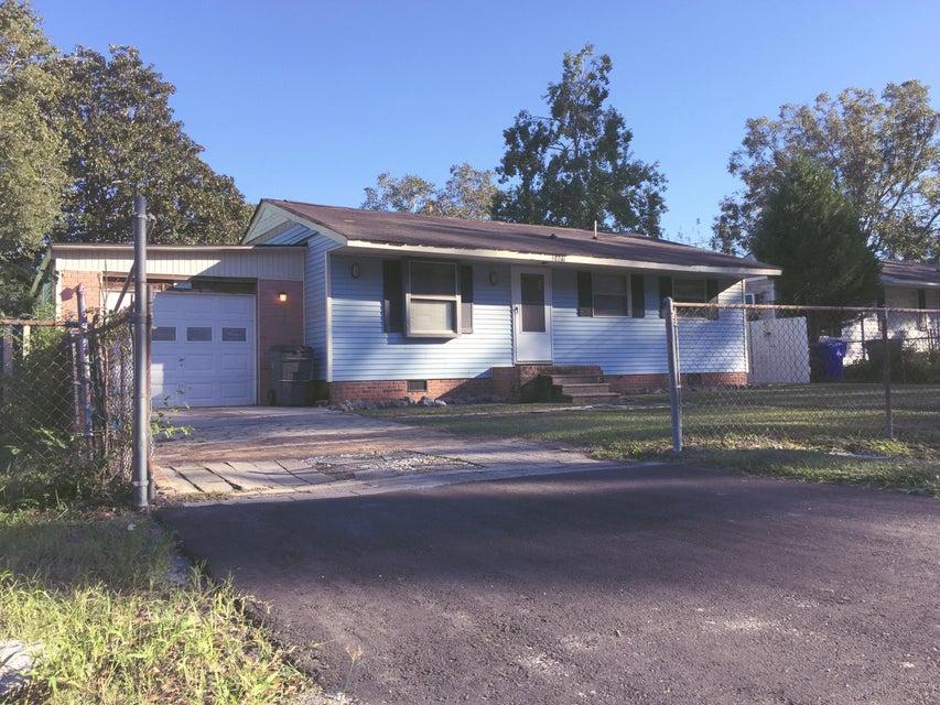 2407  Falcon Road North Charleston, SC 29406