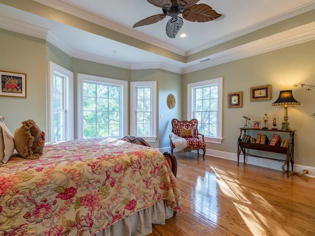 White Point Estates Homes For Sale - 931 White Point Blvd, Charleston, SC - 29