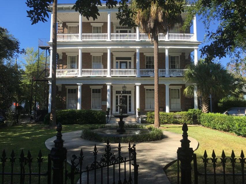 12  Bee Street Charleston, SC 29403