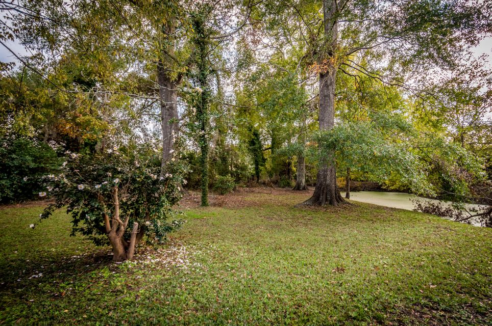 8429  Old State Road Holly Hill, SC 29059