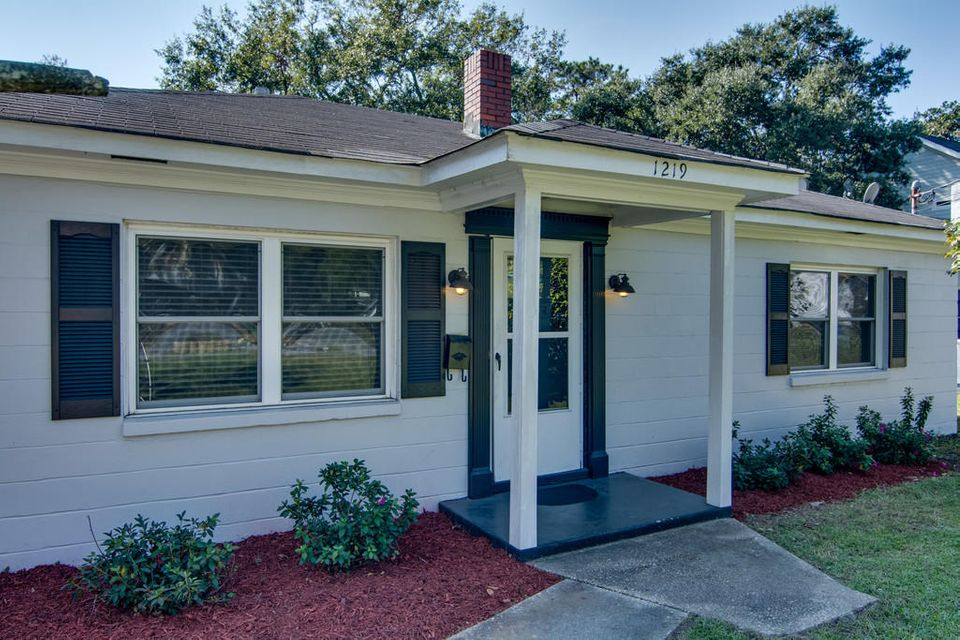 1219  Chesterfield Road North Charleston, SC 29405