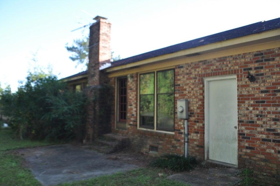 207 E Edgefield Drive Summerville, SC 29483