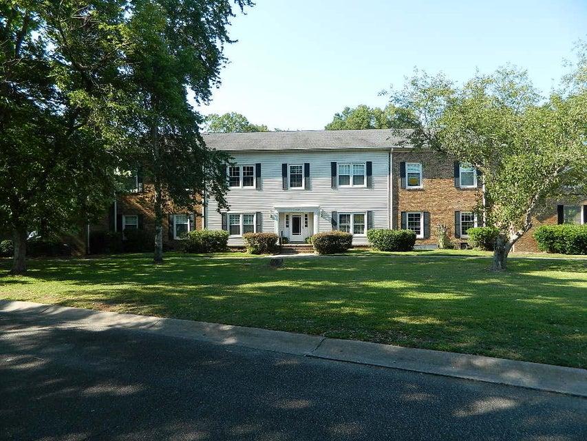105  Woodlake Drive Summerville, SC 29485