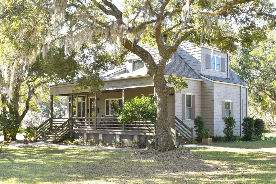 6349  Oak Grove Plantation Road Wadmalaw Island, SC 29487